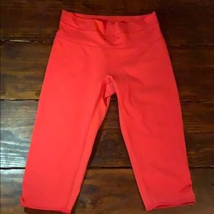 Lululemon Knee Length Coral Leggings